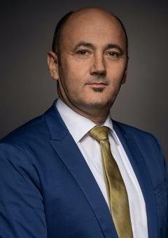 Dr. Frank Häcker